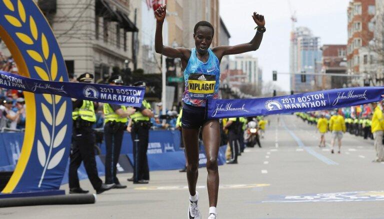 Kirui un Kiplagata uzvar Bostonas maratonā