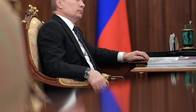 ASV neatvieglos pret Krieviju vērstās sankcijas, uzsver Baltais nams