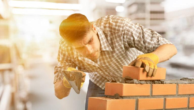 Māju nevar celt mūžīgi – iekļaujies astoņos gados vai maksā lielāku nodokli