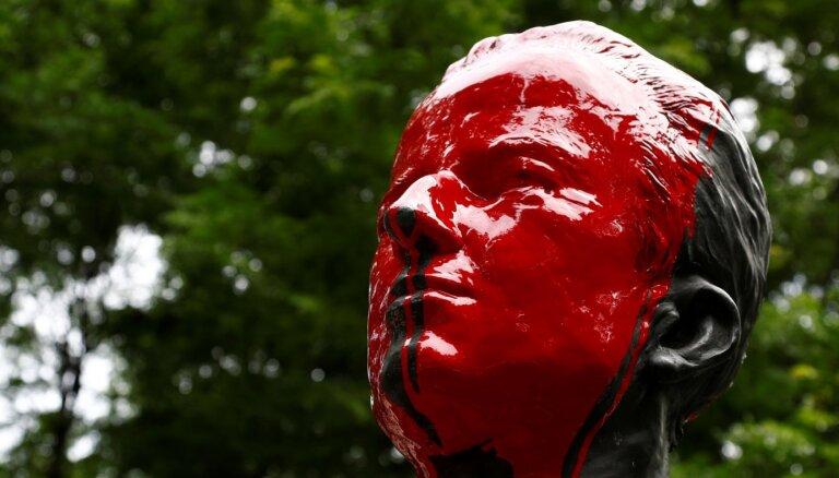 Protestētāji Beļģijā sabojājuši vēl divas statujas