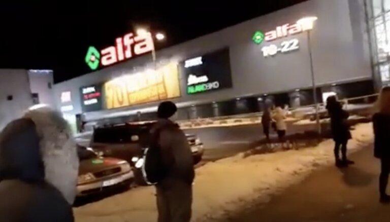 Evakuācija lielveikalā 'Alfa'