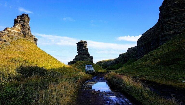 Kolas pussalas ekspedīcija: skaistā daba, bezceļi un latviešu piedzīvojumi