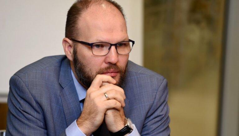 """Эксперт: Латвия вновь становится налоговым """"раем"""" для нерезидентов"""