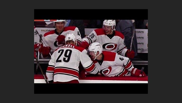Video: NHL spēlētājs nopietnas slimības dēļ noslēdz karjeru un atvadās ar realizētu 'bullīti'