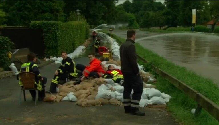 Video: Vāciju plosa plūdi