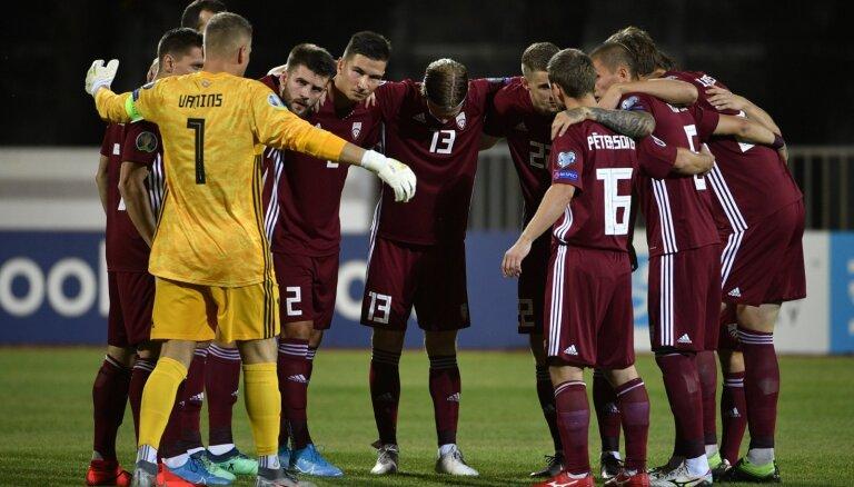 Futbolistiem nezinot, LFF dāvinājuma līgumus pārformē par darba līgumiem
