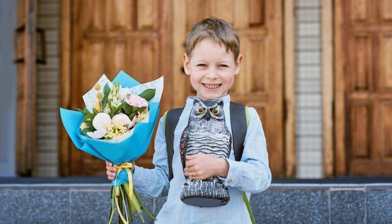 Psiholoģe skaidro, kā emocionāli palīdzēt bērnam sagatavoties bērnudārza un skolas gaitu uzsākšanai