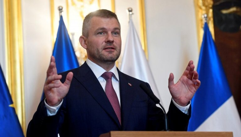 Mēs neparakstīsim ANO migrācijas paktu, paziņo Slovākijas premjers
