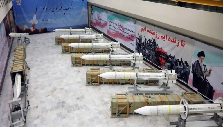 Lielbritānija, Francija un Vācija iedarbina Irānas kodolvienošanās strīdu izšķiršanas mehānismu