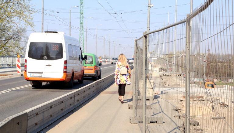 Транспорт курсирует по Деглавскому мосту без инцидентов