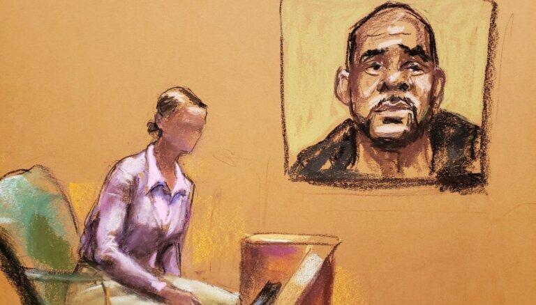 Mūziķis R.Kellijs atzīts par vainīgu seksuāla rakstura noziegumos