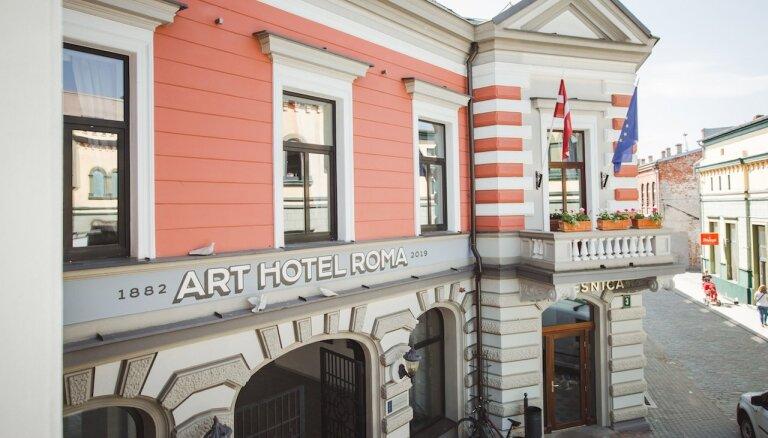 Foto: Investējot 1,6 miljonus eiro, Liepājā atklāta dizaina viesnīca