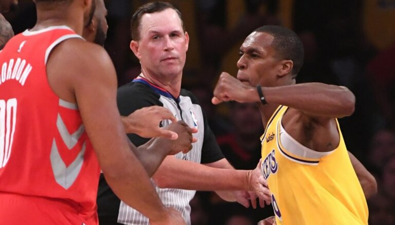 Pēc 'Lakers' un 'Rockets spēlētāju izplūkšanās NBA piespriež diskvalifikācijas