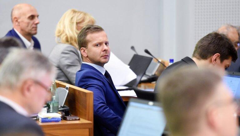 Opozīcijai neizdodas Rosļikovu gāzt no Rīgas attīstības komitejas vadītāja amata