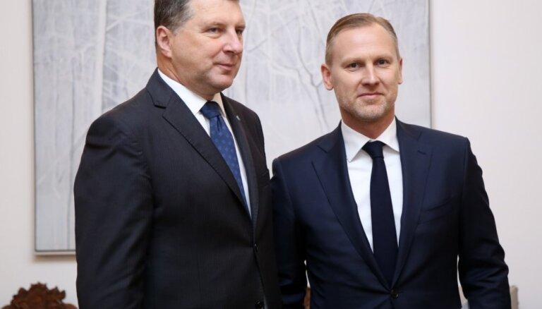 Вейонис проведет встречу с кандидатом в премьер-министры Гобземсом