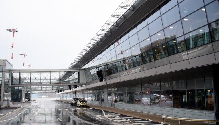 """Аэропорт """"Рига"""" вводит изменения в правила парковки"""