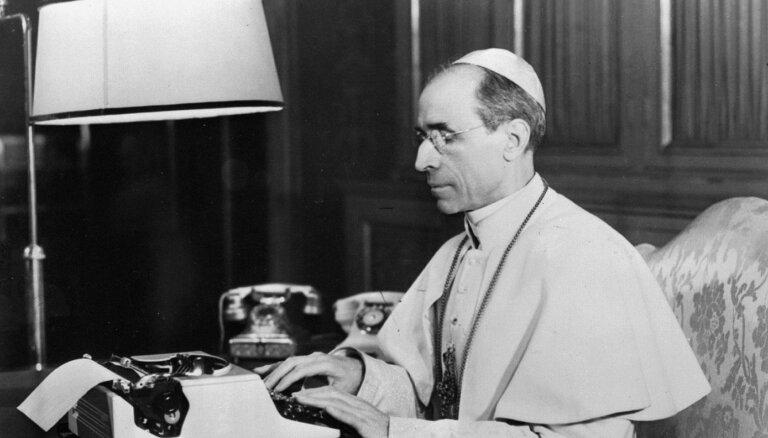 Vatikāns atver slepenu arhīvu par pāvestu Piju XII un holokaustu