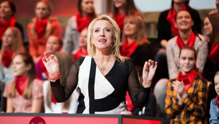 Olga Rajecka šarmē TV skatītājus ar jauneklīgu izskatu