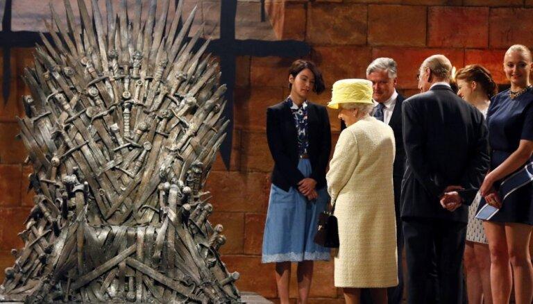 """Королева Великобритании попала в """"Игру престолов"""""""