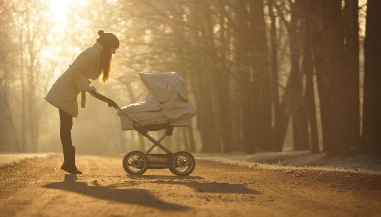 ЦСУ: в первом квартале рождаемость в Латвии снизилась на 5,7%