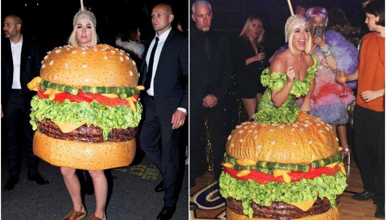 Foto: Keitija Perija smalkā burziņā pārsteidz ar burgera kostīmu
