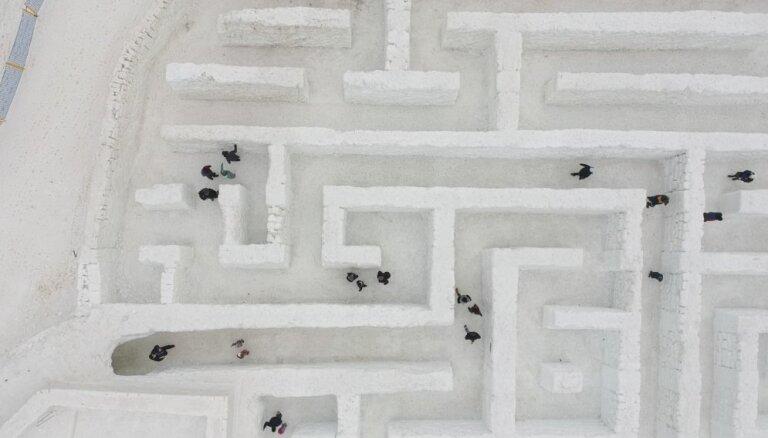 Polijā atvērts lielākais sniega labirints pasaulē