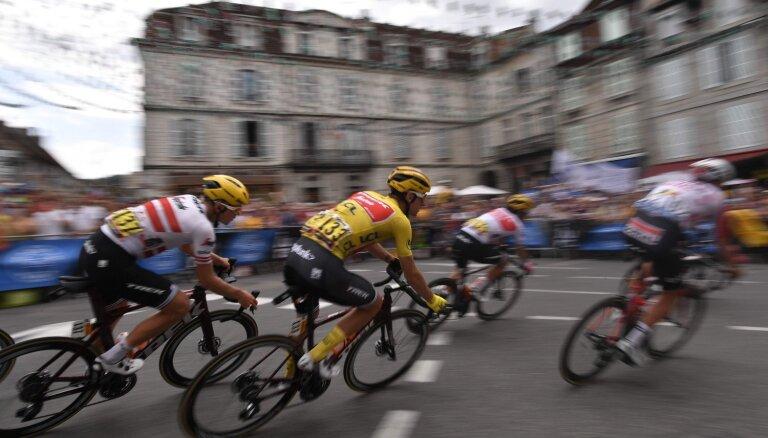 Skujiņš finišē kopā ar uzvarētāju un izcīna 30. vietu 'Tour de France' septītajā posmā