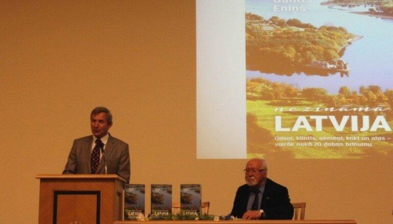 Foto: Grāmatas 'Nezināmā Latvija' atvēršanas svētki