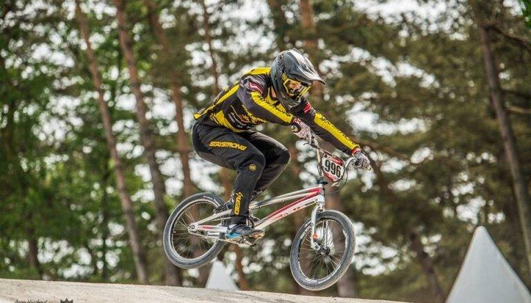 BMX riteņbraucēji Krīgers un Pētersone izcīna trešās vietas Eiropas kausa 5. posmā