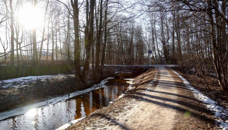 В субботу в Латвии будет солнечная и рекордно теплая погода