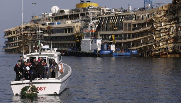 ВИДЕО: Подъем круизного лайнера Costa Concordia на воду