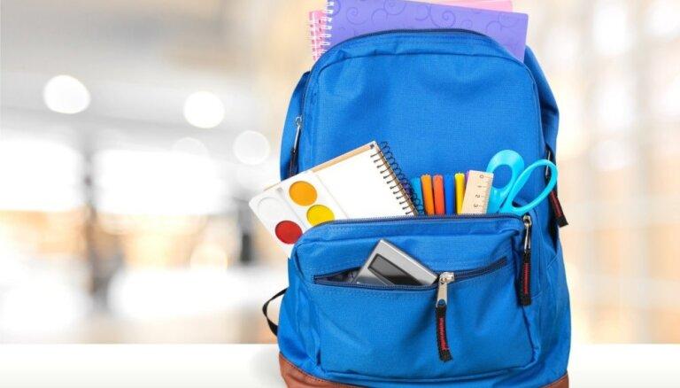 В Саулкрасты 10-классникам за две недели до начала учебного года заявили, что им нужно искать другую школу