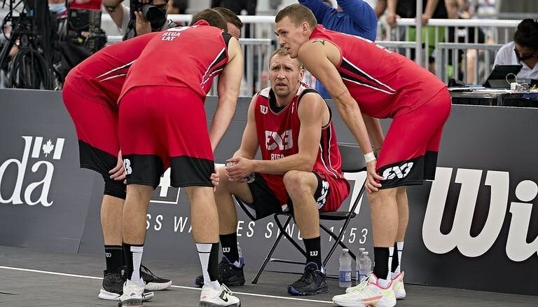 Tokijas olimpiskie čempioni iekļauti pašmāju basketbola klubu sastāvos