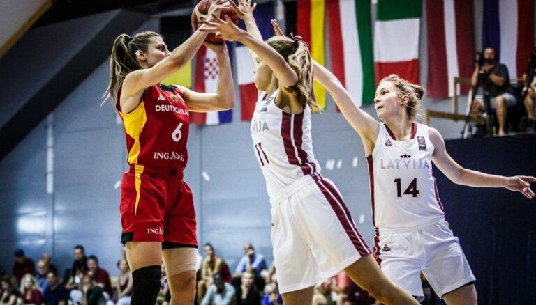Latvijas U-20 basketbolistes EČ pusfinālā par devīto vietu piekāpjas Vācijas vienaudzēm