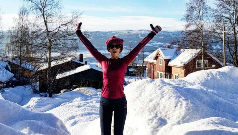 Foto: Samanta Tīna bauda ziemas priekus Norvēģijā