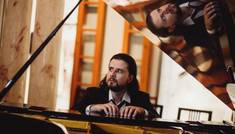 Notiks šīs sezonas vienīgais Andreja Osokina solokoncerts Rīgā