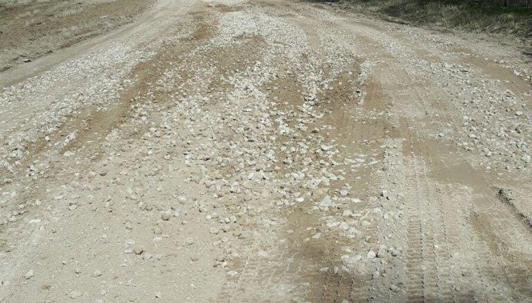 Atcelti šķīdoņa masas ierobežojumi uz grants autoceļiem
