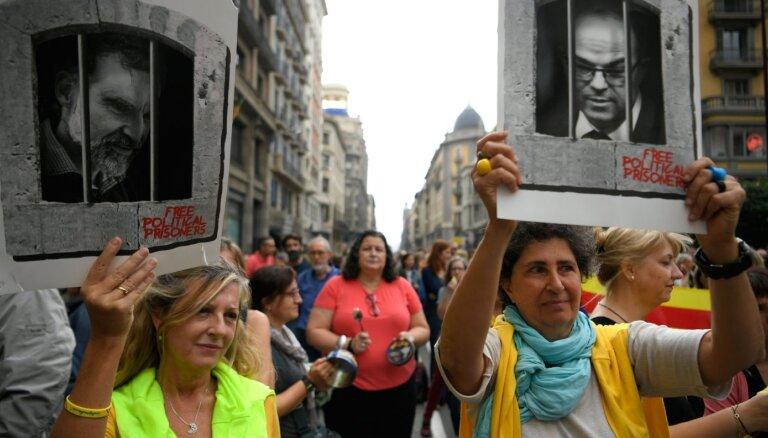 'Amnesty International' nosoda katalāņu aktīvistu organizāciju līderu notiesāšanu