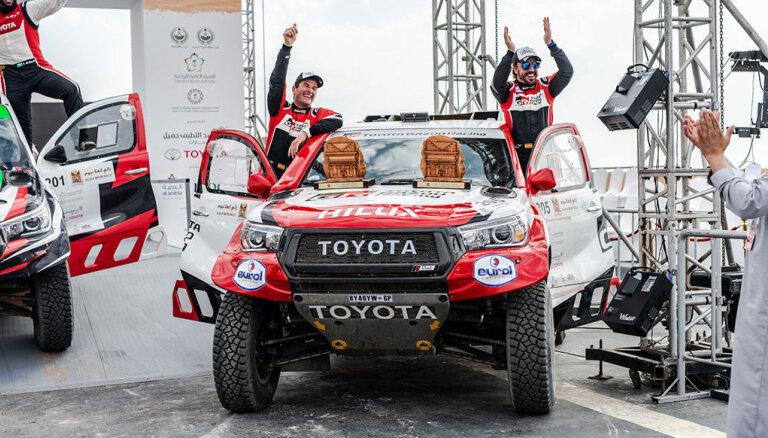 Bijušais F-1 pilots Alonso svētdien debitēs Dakaras rallijā