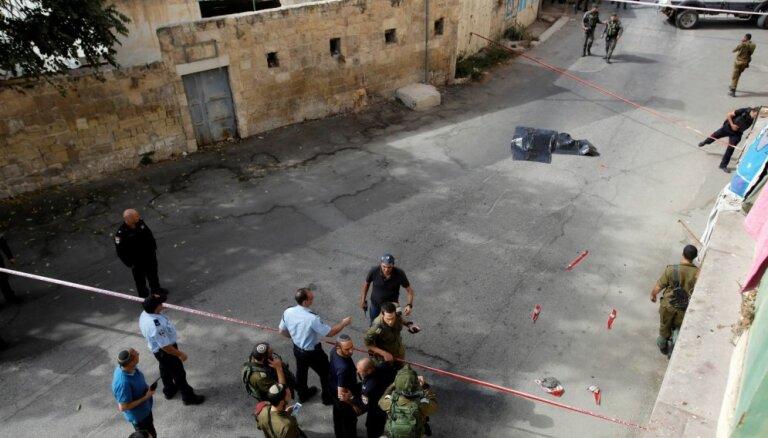 Palestīnietis sadur Izraēlas kareivi un tiek nošauts