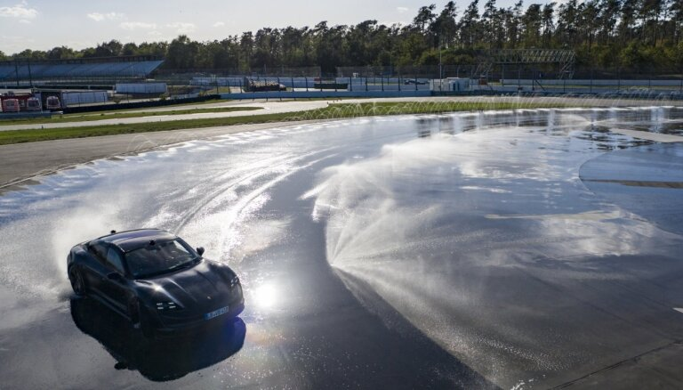 'Porsche Taycan' uzstādījis ilgākā drifta Ginesa rekordu