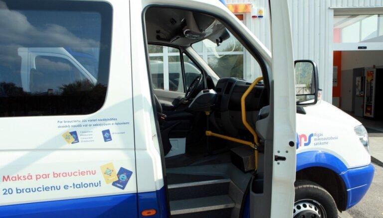 Rīgas 'mikriņu' uzņēmums Autotransporta direkcijas šefam draud ar tiesu darbiem