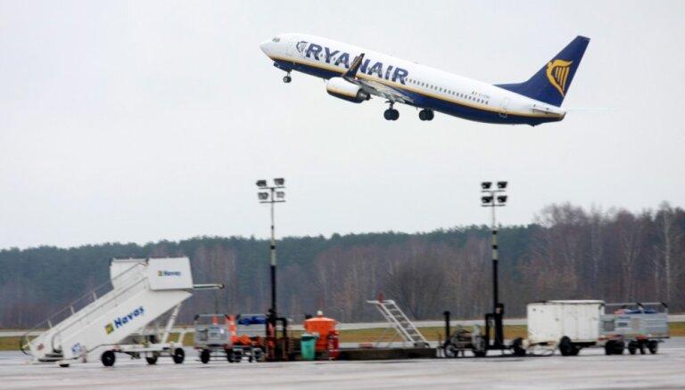 В Ригу спустя 18 минут после взлета вернулся самолет авиакомпании Ryanair
