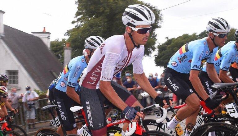 Liepiņš pasaules čempionātā riteņbraukšanā grupas braucienā ieņem 52., Skujiņš 60. vietu; titulu nosargā Alafilips