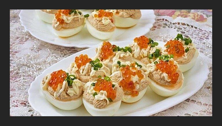 Aukstā galda kārums – pildītas olas. 10 variācijas par tēmu