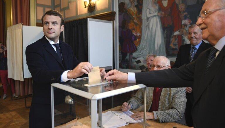 Ле Пен и Макрон проголосовали на президентских выборах