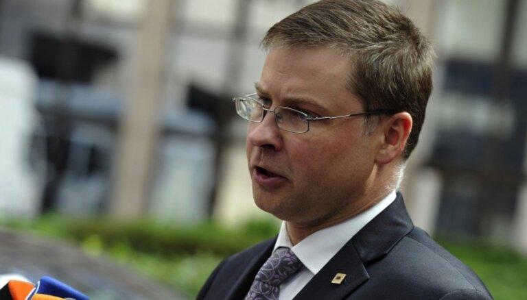 Opozīcija grib atņemt premjeram eirokomisāra nominēšanas tiesības