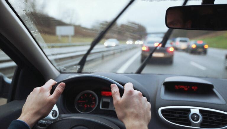 Dažādu pasākumu dēļ brīvdienās uz vairākiem ceļiem būs satiksmes ierobežojumi