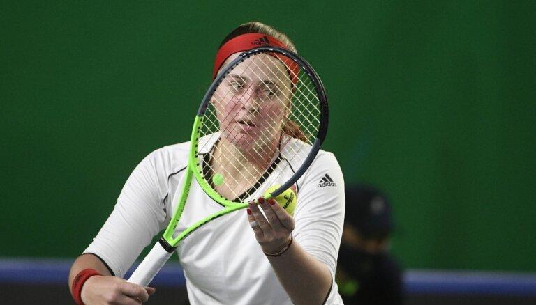 Ostapenko nepārvar Birmingemas dubultspēļu turnīra pirmo kārtu