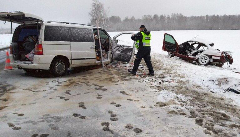 Foto: Traģiskā avārijā Ķēdaiņos gājusi bojā perspektīva lietuviešu handboliste